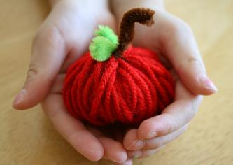 Fall-Yarn-Apple-Kids-Craft Grandma Lizzies House